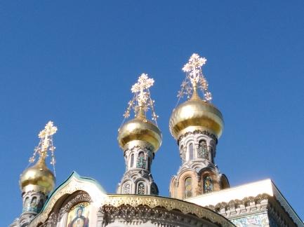 In der Russischen Kapelle glänzt es nicht nur außen.